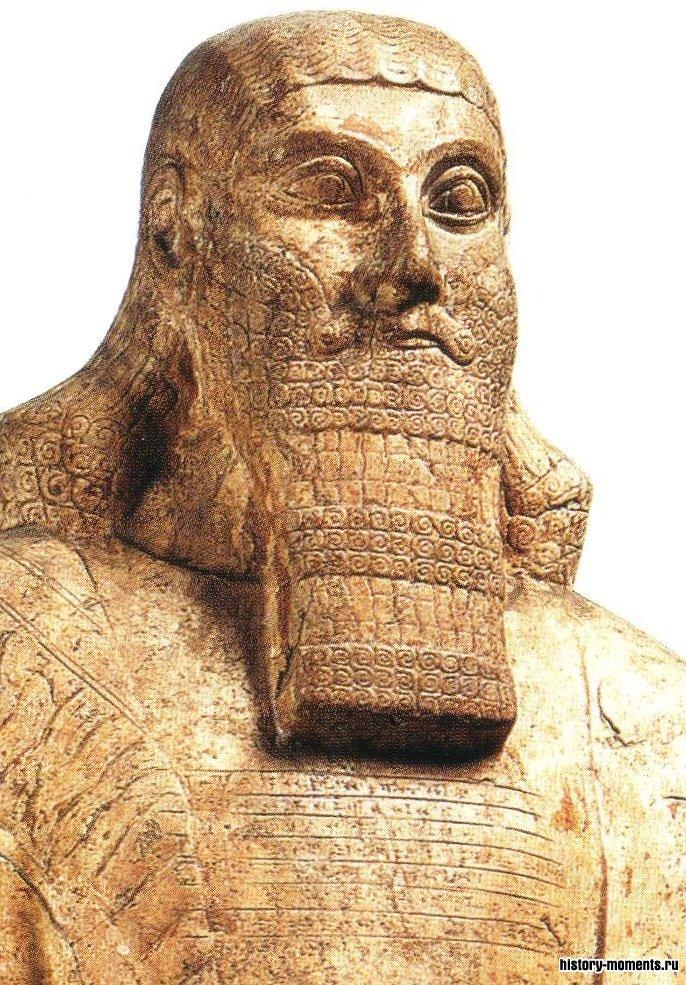 Эта статуя Ашшурнацирапала II раскопана в Калахе, куда он перенес столицу Новоассирийской державы.