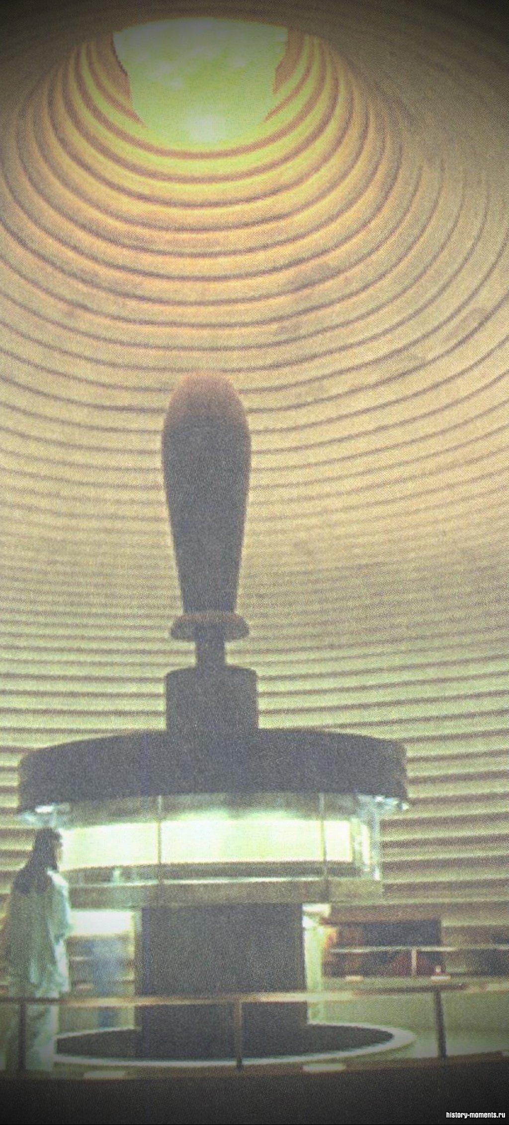 Свитки Мертвого моря - рукописные копии книг Ветхого Завета, сделанные 2000 лет назад, - были случайно обнаружены в 1947 г. Сейчас они выставлены в музеях Израиля и Иордании.