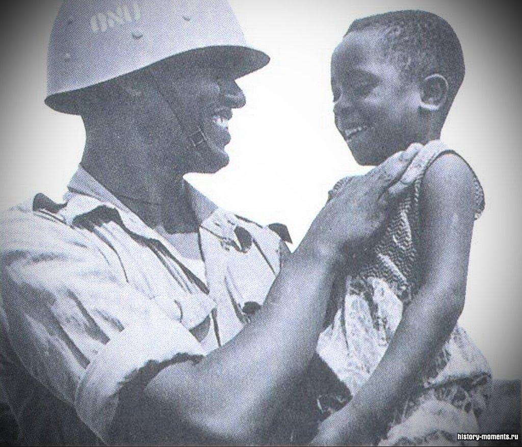 Миротворцы ООН стараются помочь мирному населению регионов, страдающих от военных конфликтов.