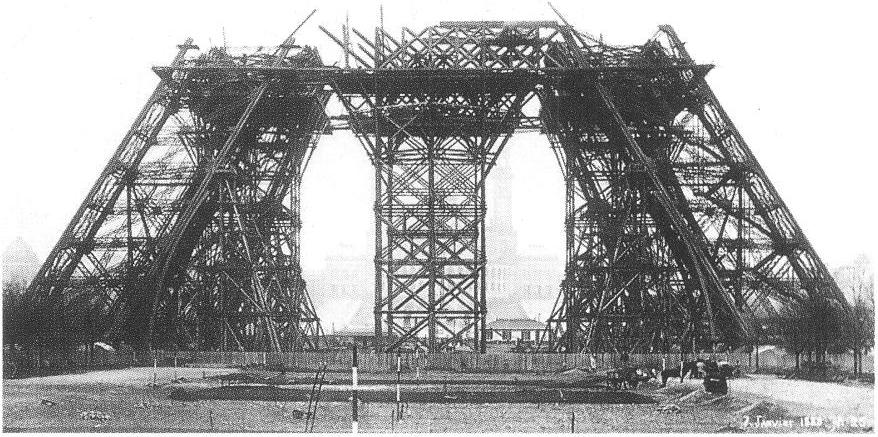 Эйфель строил мосты, а в 1889 г. его парижская башня продемонстрировала, на что способен легкий ажурный стальной каркас.