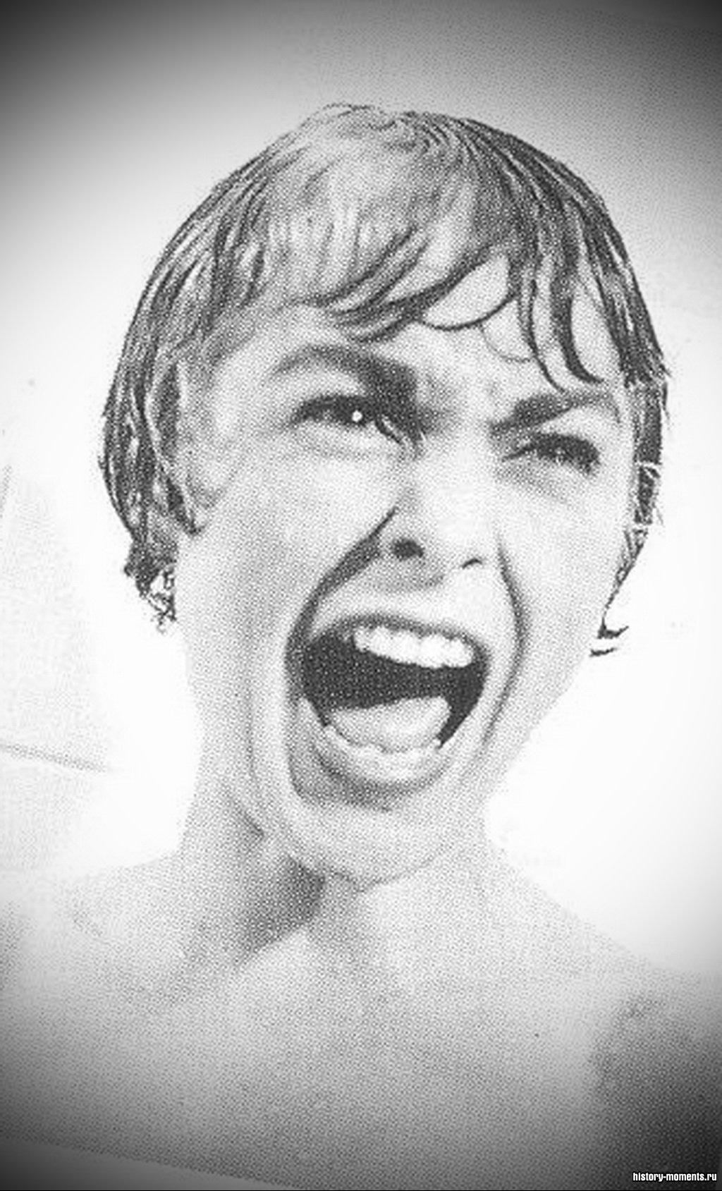 «Психоз» Хичкока: Джанет Ли вопит под душем.