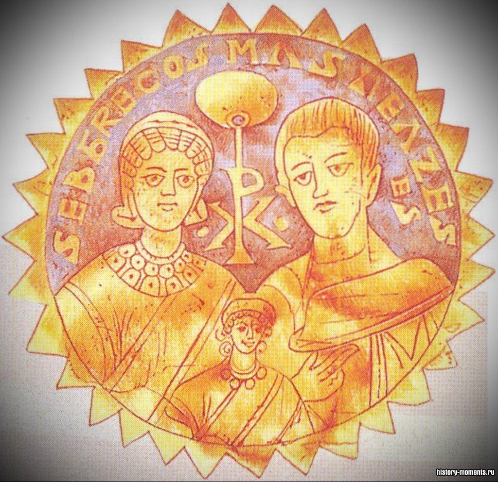 На этом раннехристианском изображении над головой Младенца - христианская символика.