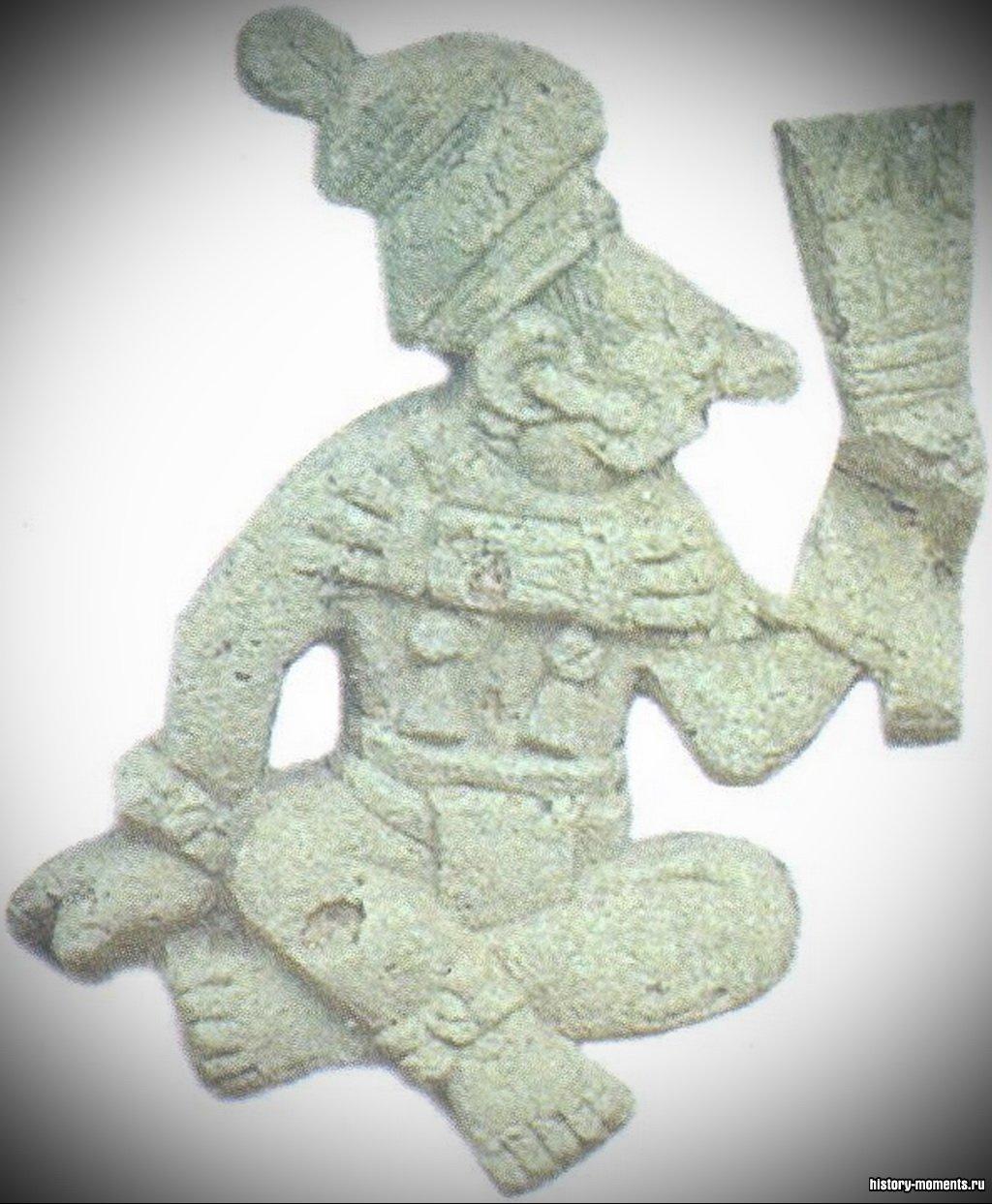 Статуэтки майя чаще всего изображали богов, но иногда отражали и события повседневной жизни. За пределами городов люди чаще всего занимались земледелием.