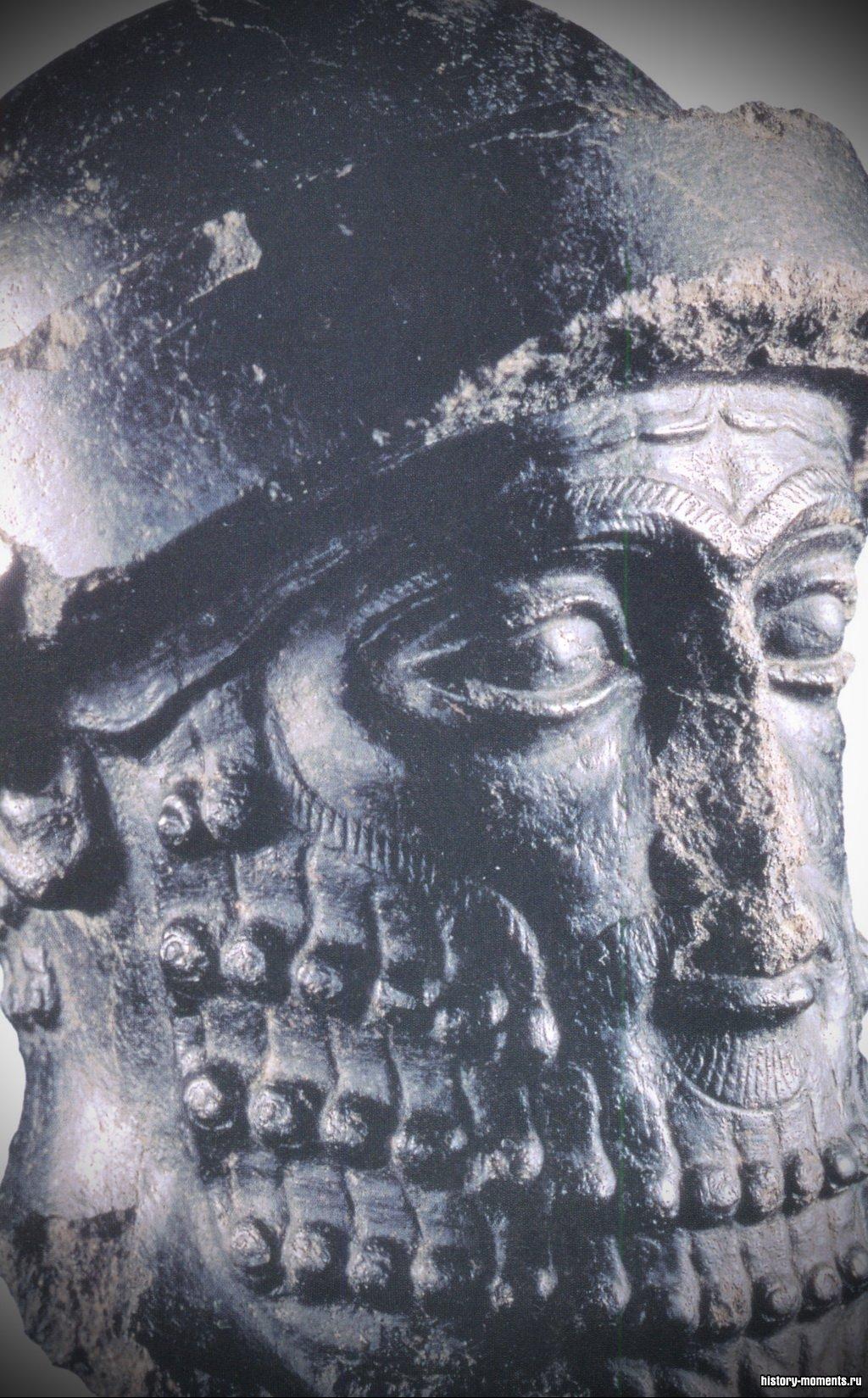 Так называемая голова Хаммурапи.