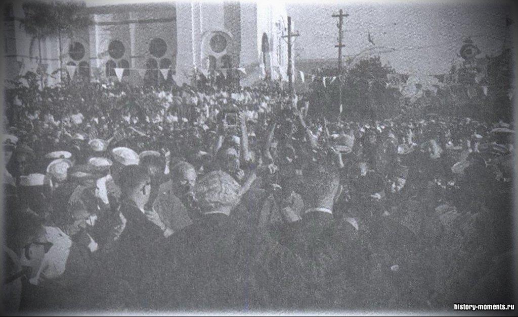 Тысячи жителей вышли 6 августа 1962 г. на улицы Кингстона, столицы Ямайки, отпраздновать обретение независимости.