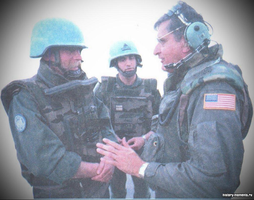 Люди различных национальностей, уча-ствующие в миротворческих операциях ООН, приобретают ценный опыт сотрудничества и взаимопонимания.