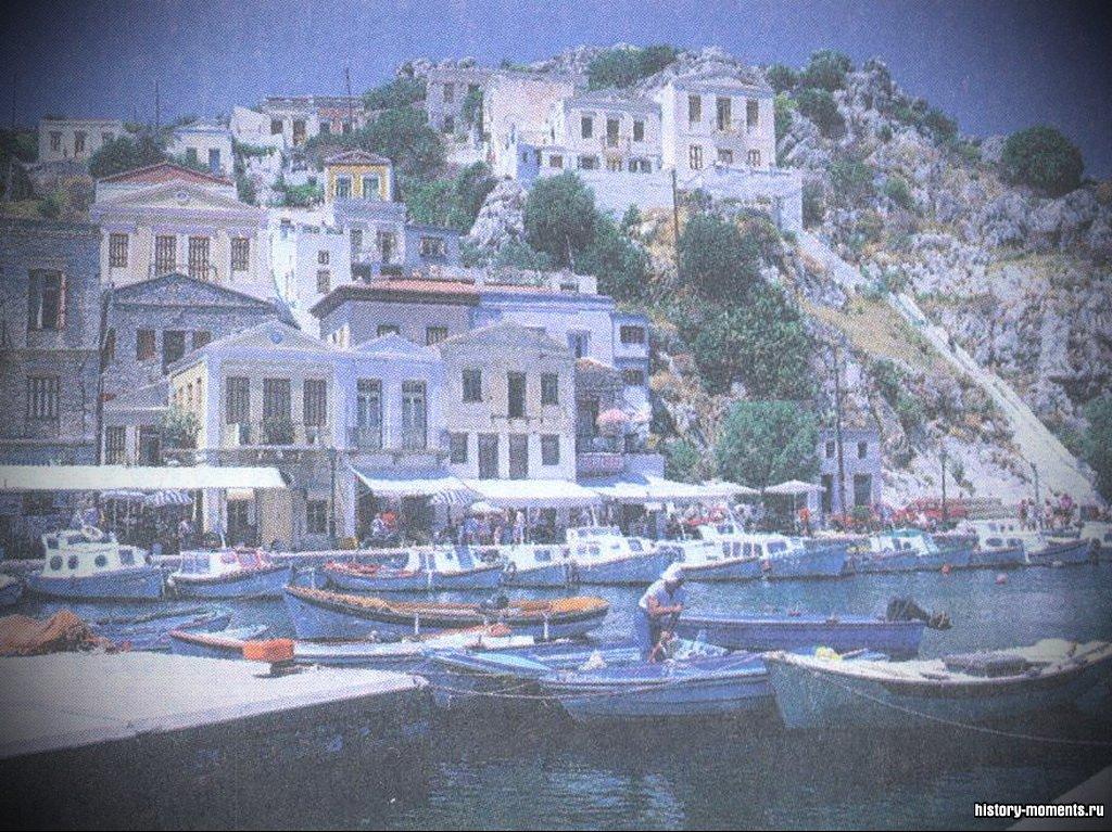 В восточной части Средиземноморья раскинулись более 2000 греческих островов. Важными отраслями их экономики являются туризм и рыболовство.